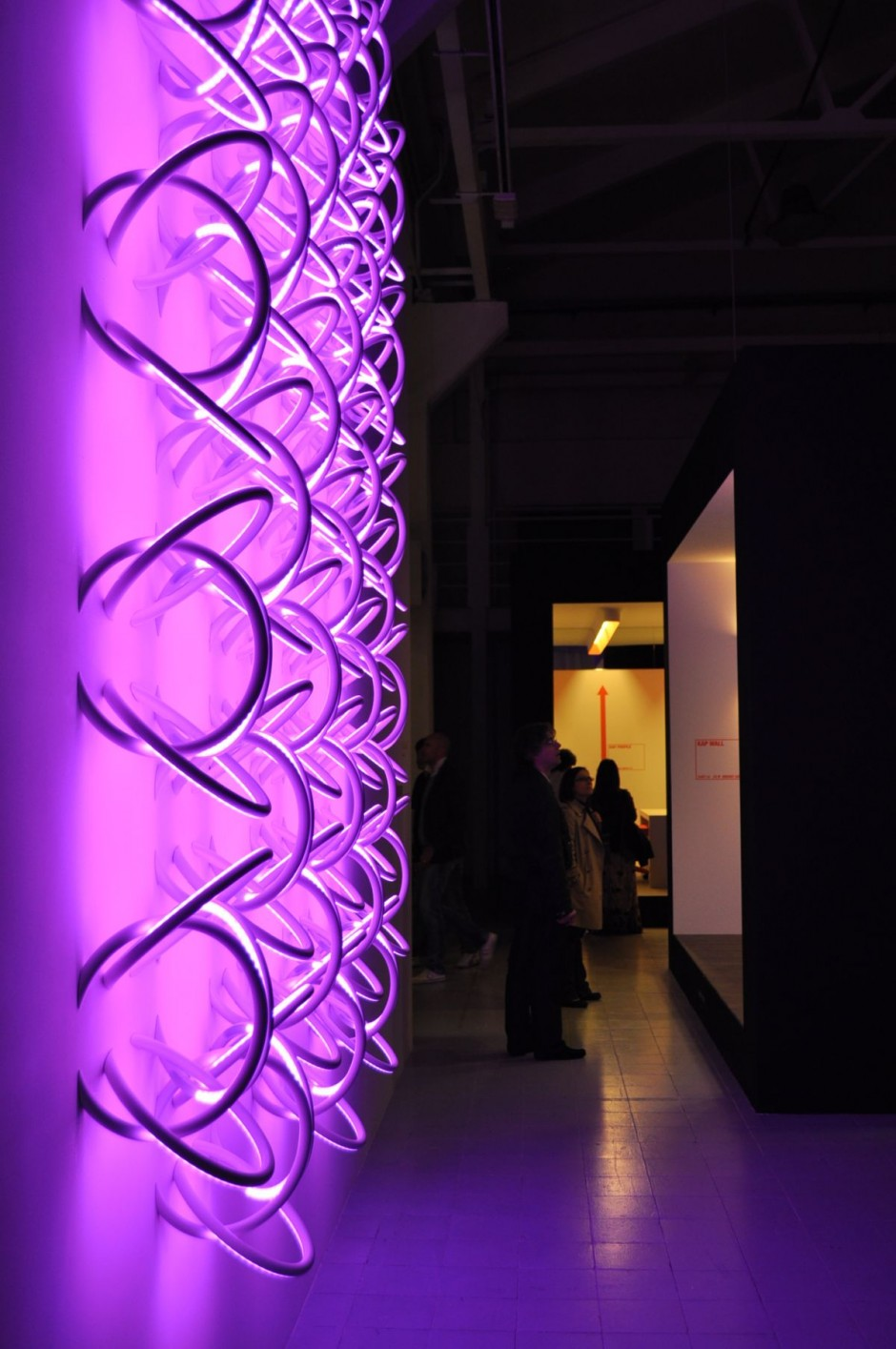 Wall Piercing – Soft Architecture Lighting
